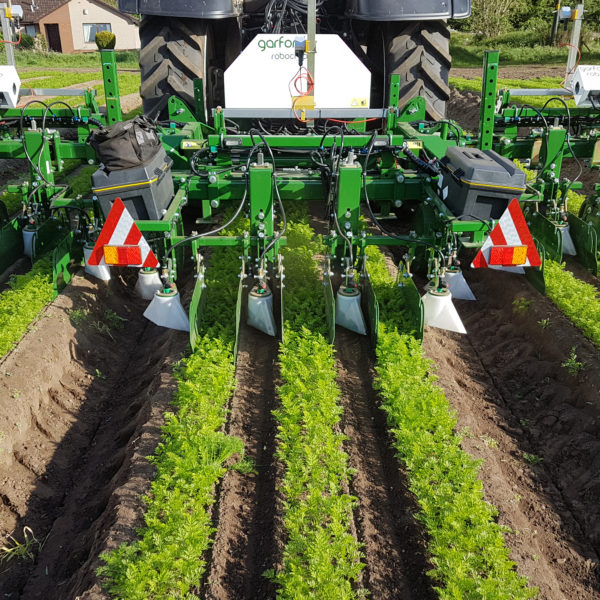 Band and Hooded Sprayers | Full Spraying Systems | Garford